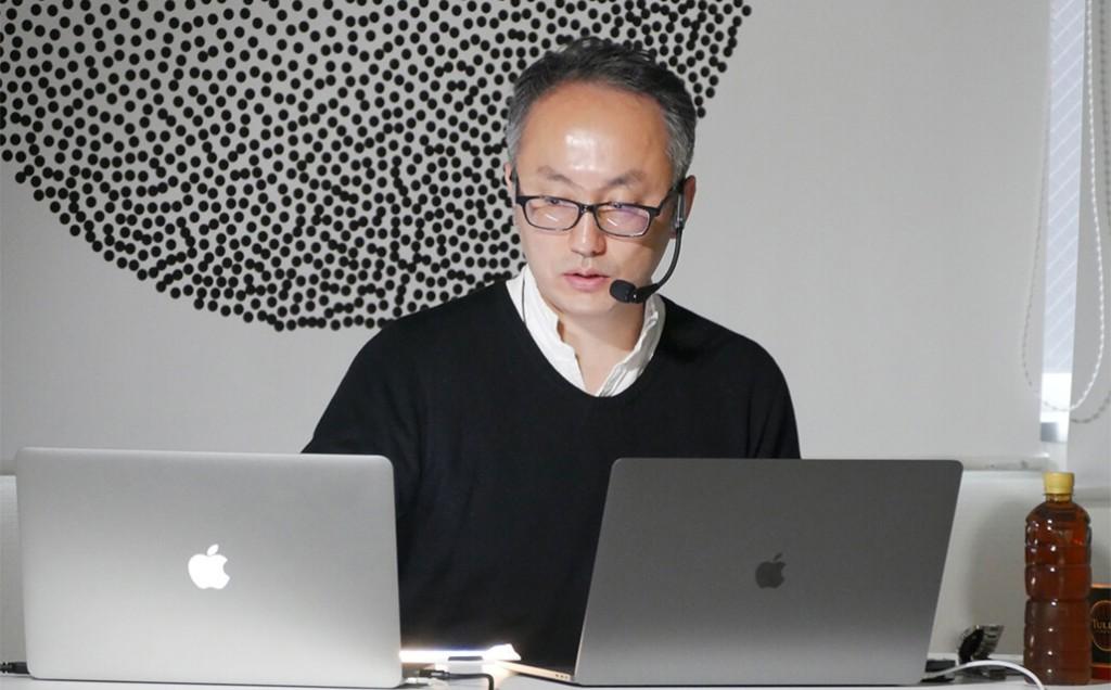 第4回講義・加治屋健司氏(東京大学大学院総合文化研究科教授)「日本現代美術概論 」の講義風景
